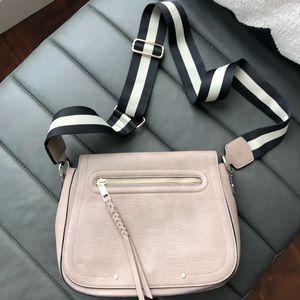 NWOT ❤️ GAP Crossbody Bag